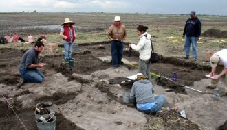 Image of Archaeologists find strange mound of sacrifice victims' skulls at field in Mexico